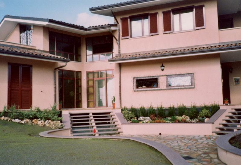 Toso-costruzioni-edili-chiavi-in-mano-villa-indipendente-pavimentazione-esterna